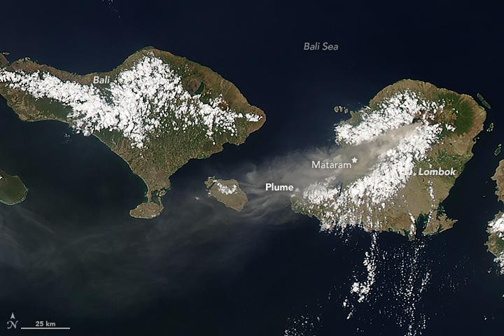 Eruption of Mount Rinjani, Indonesia