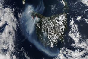 Fires Continue Burning in Northwestern Tasmania