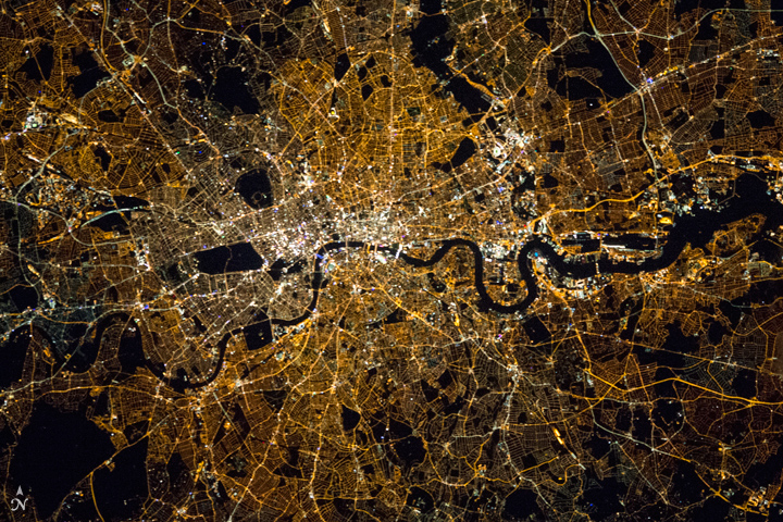 London at Night - related image preview