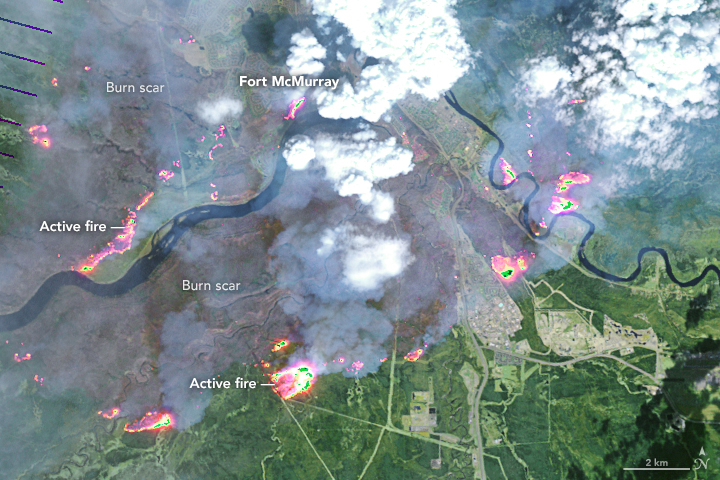 Wildfire Spreads in Fort McMurray