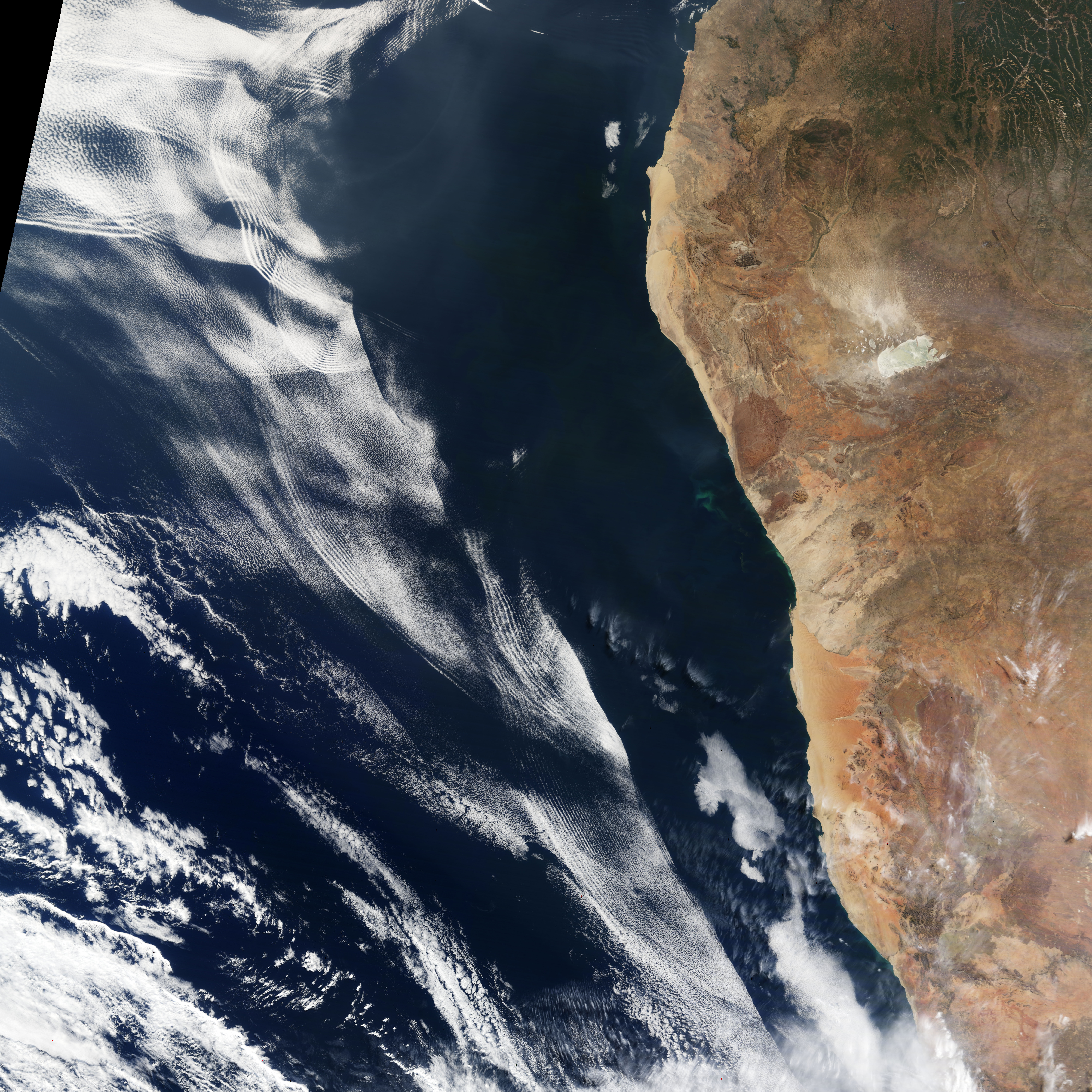 Making Waves in the Sky off of Africa : Image of the Day