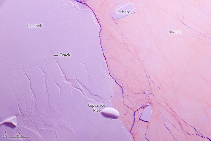 Crack Advances Across Antarctic Ice Shelf