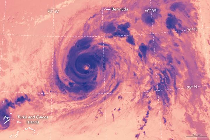 Hurricane Nicole Bears Down on Bermuda