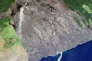 Kilauea's Lava Pours Into the Pacific
