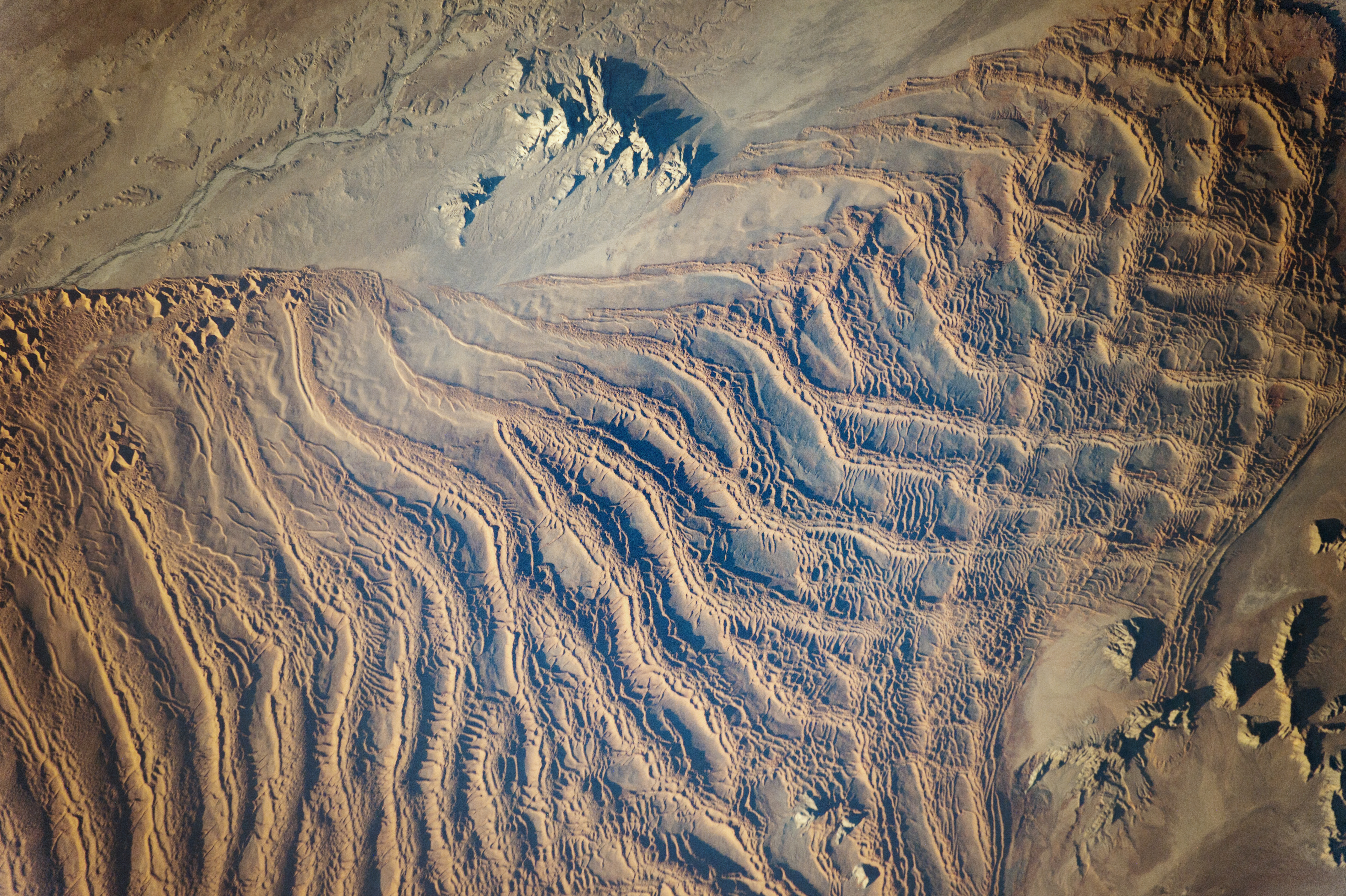 Linear Dunes, Namib Sand Sea - related image preview