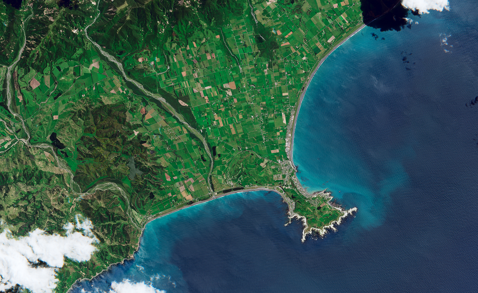 Powerful Earthquake Exposes New Land Near Kaikoura - related image preview
