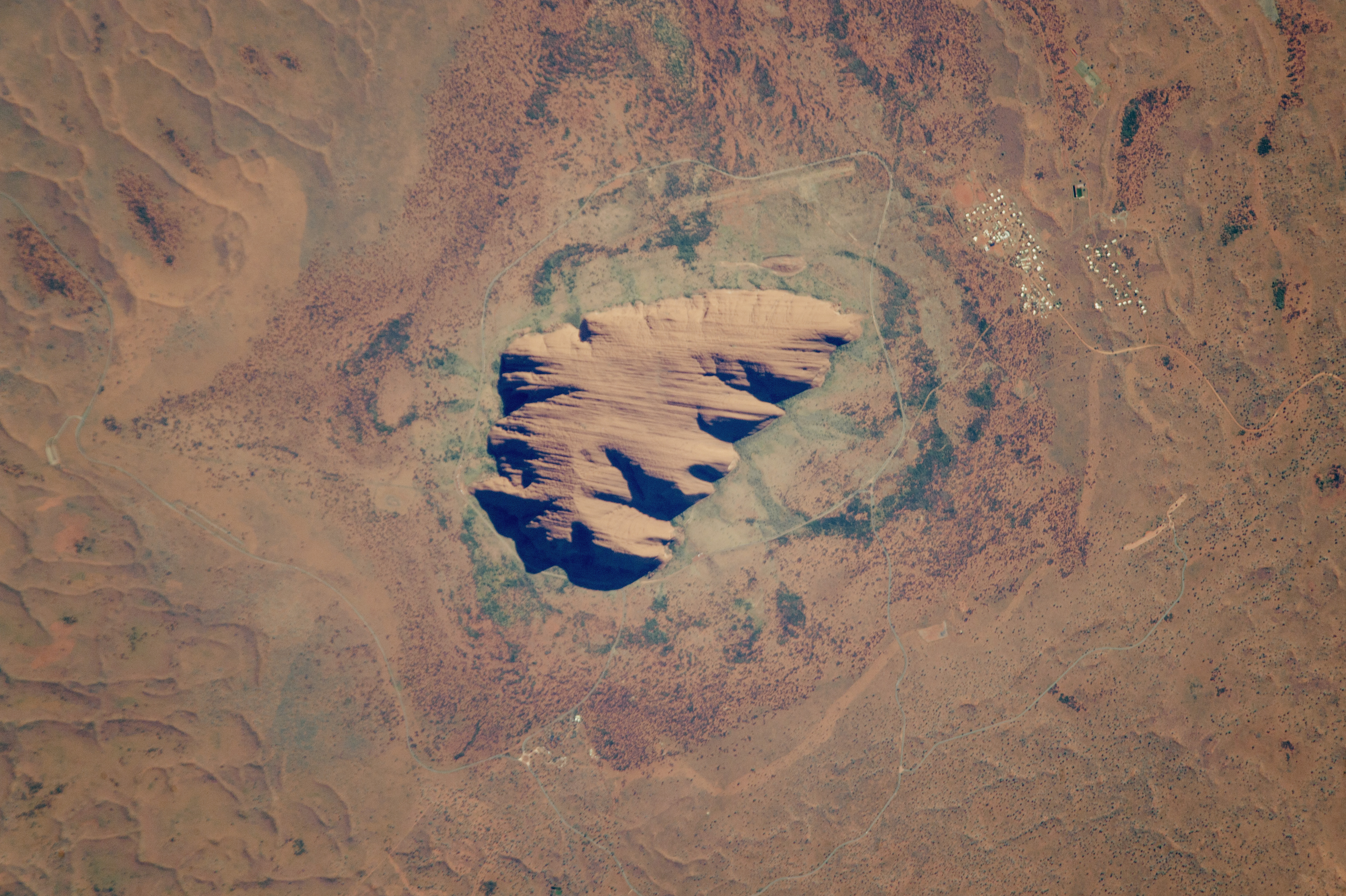 Uluru - related image preview