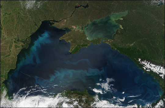 Black Sea Becomes Turquoise