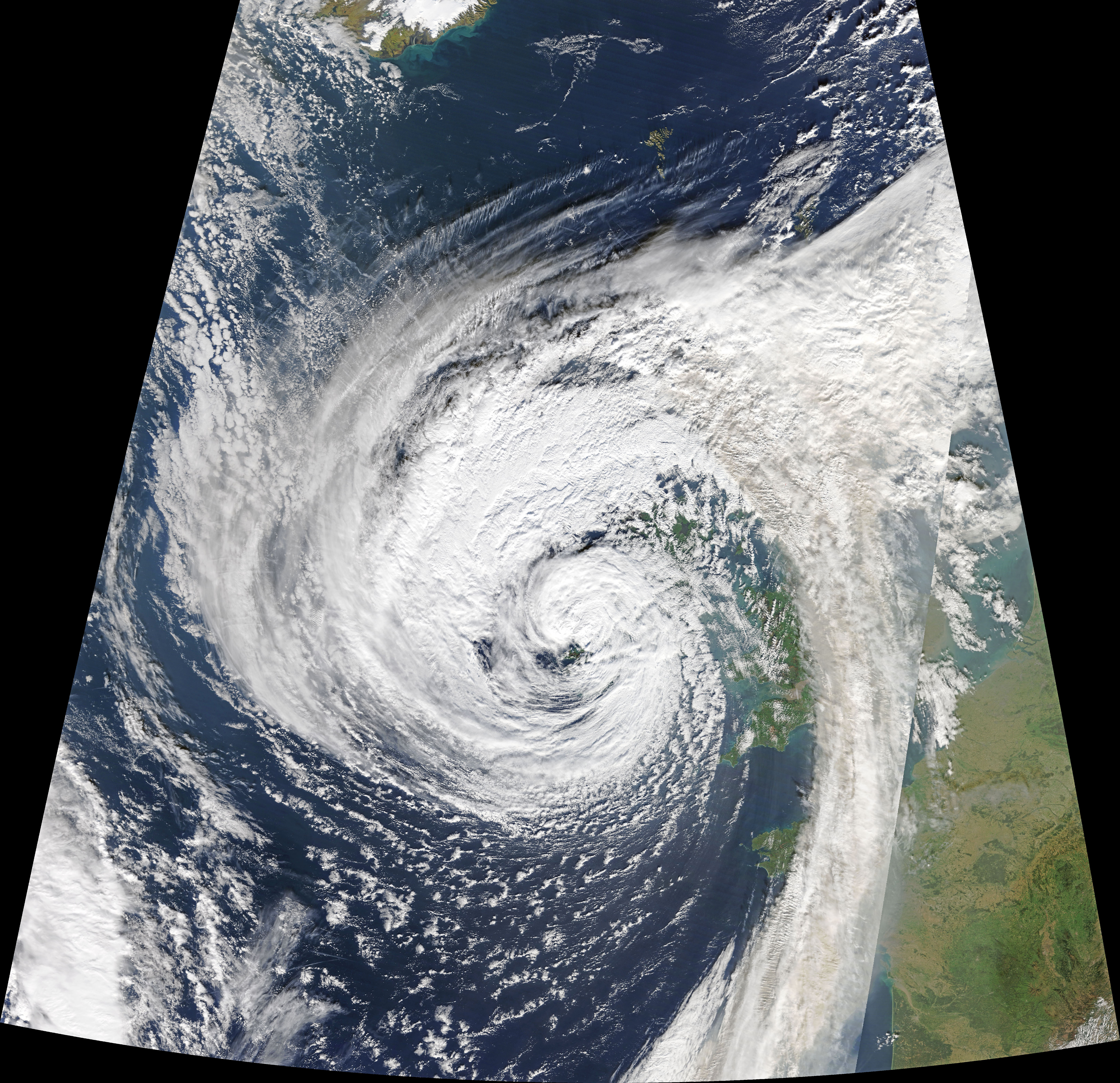 Ophelia Hits Ireland - related image preview
