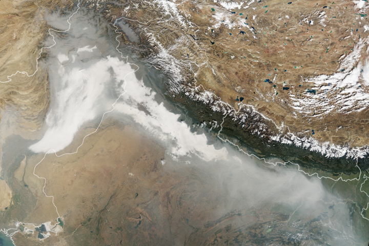 Haze Blankets Northern India - selected child image