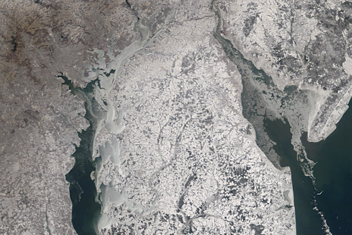 Icy Waters off the U.S. East Coast