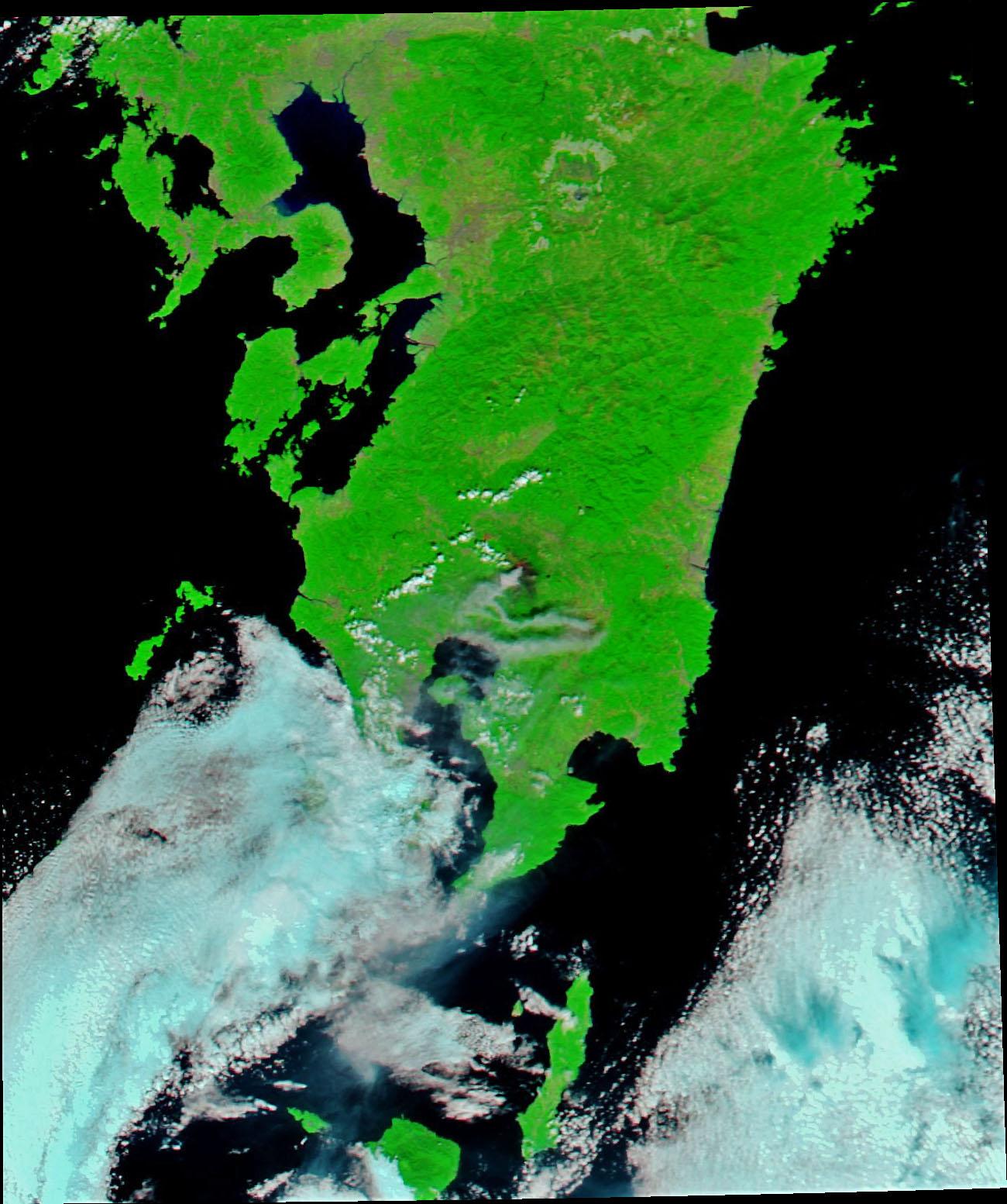 Shinmoedake Erupts - related image preview