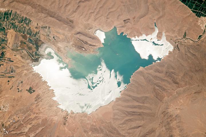Lake Darodzan in Sunglint