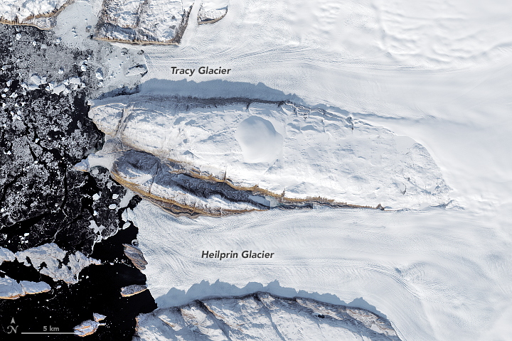 Decline of Two Glaciers in Northwest Greenland - related image preview