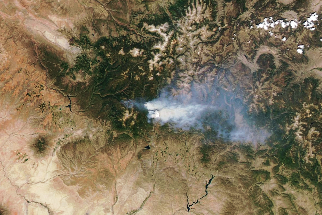 416 Wildfire Rages in Colorado - related image preview