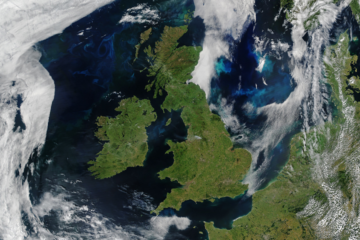 Rare Fair Skies Over All of the UK and Ireland - selected image