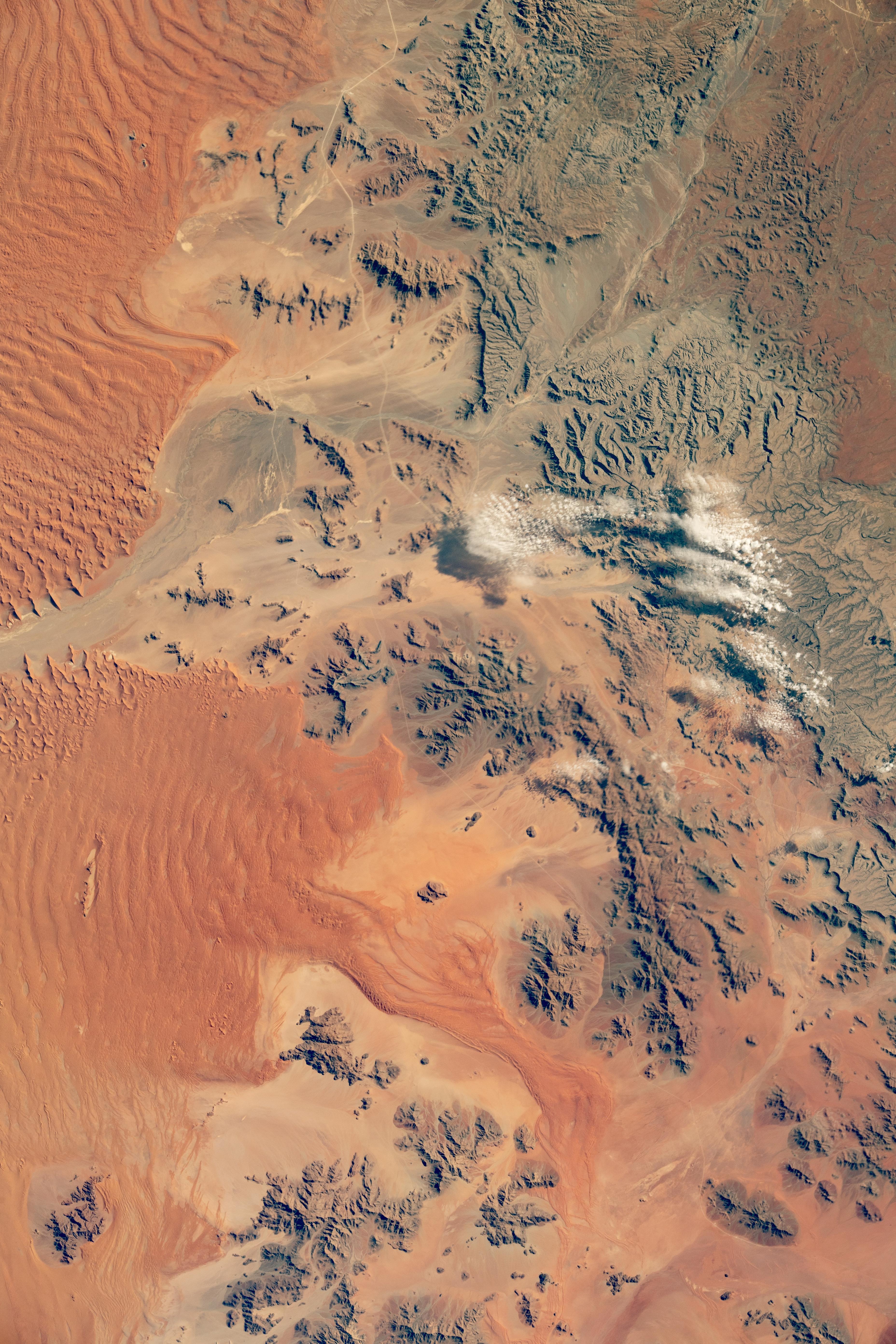 Sand Sea Margin, Namib Desert - related image preview