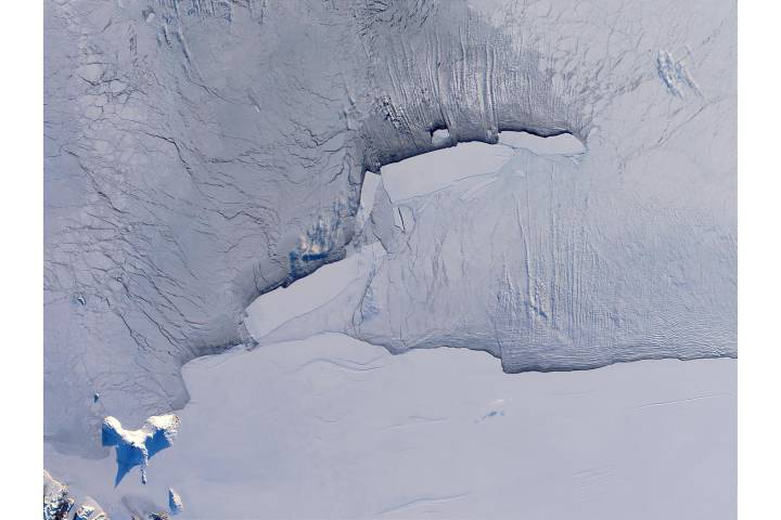 B-15 iceberg family in the Ross Sea, Antarctica - selected image