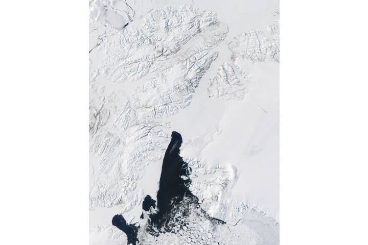 Queen Elizabeth Islands (Northern Canada), Northern coast of Greenland, and Baffin Bay - selected image
