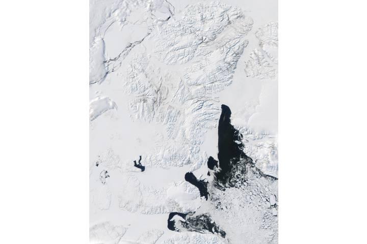 Queen Elizabeth Islands and Baffin Bay, Northern Canada - selected image
