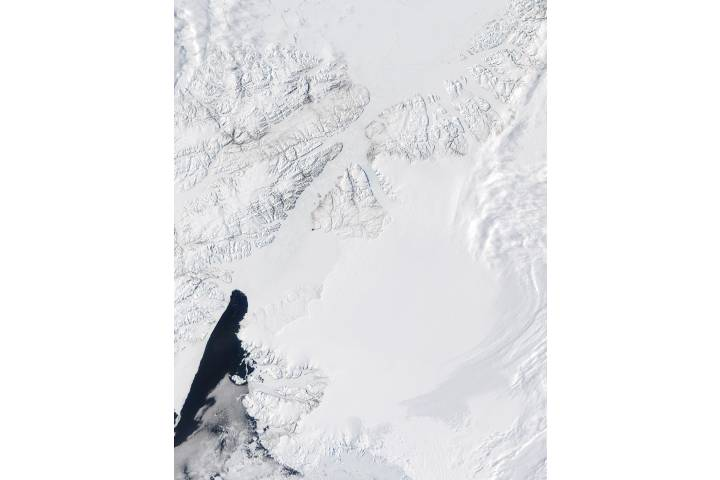 Ellesmere Island (Northern Canada) and north coast of Greenland - selected image