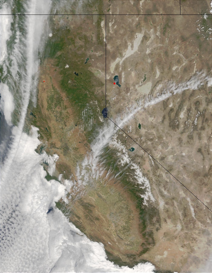 Fires near Pyramid Lake and Reno, Nevada - related image preview