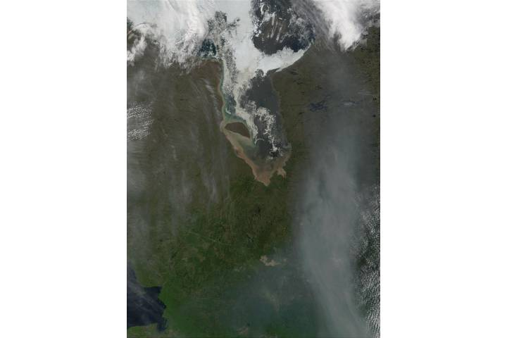 James Bay and smoke from fires in Alberta, Canada (Input Direct Broadcast L1B data courtesy SSEC) - selected image
