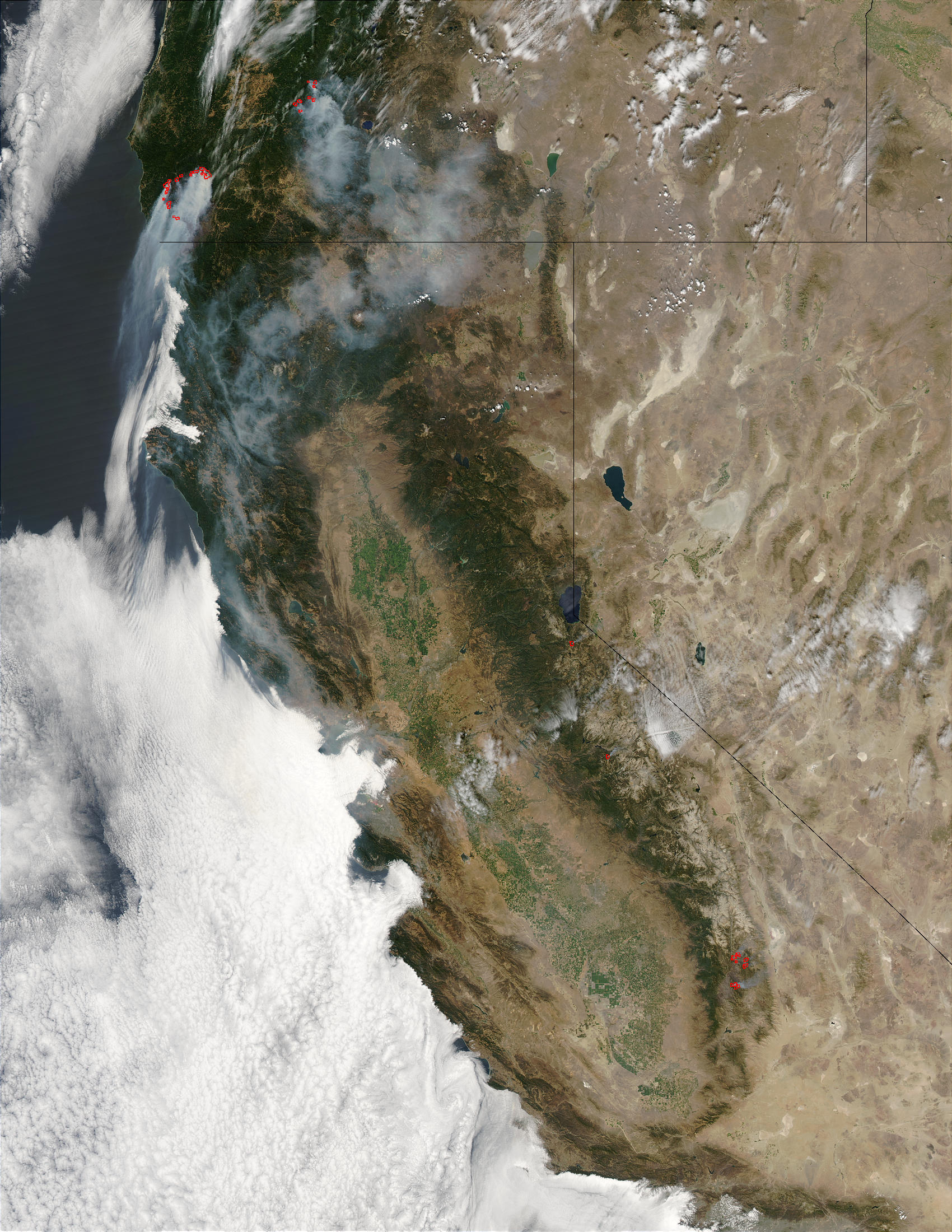 Fires and smoke in Oregon and California - related image preview