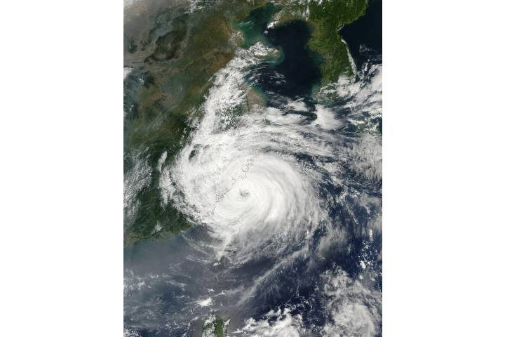 Typhoon Sinlaku (22W) over China coast - selected image